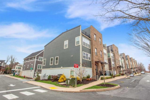 luxury charlottesville townhouses for sale